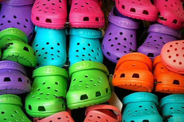 02_crocs